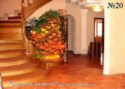 Комнатные водопады и фонтаны удачно вписываются в интерьер любого стиля.