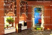 Оригинальным решением в интерьере ресторана является наш нестандартный водопад, сочетающий в себе такие элементы декора, как статуя, колонна, задний фон с изображением и подсветка дна.