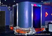 Водные панели с цветной подсветкой в оформлении ночного клуба.