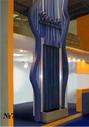 Водная панель как составная часть абстракционистской композиции для оформления интерьера торгового зала.